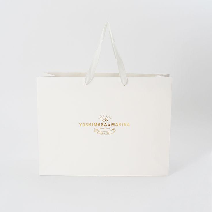デザイナーのデザインした紙袋をデザインはそのままオリジナル紙袋を注文できるデザインラボラトリーの紙袋をご紹介!!  .  .  .  .  #ベリービーバッグ #紙袋 #ショッパー #グラフィックデザイン #紙袋デザイン #デザイン #おしゃれ #引き出物 #ウェディング #結婚式 #berrybbag #osaka #japan #shopper #paperbag #design #graphicdesign  #package #designoffice #wedding