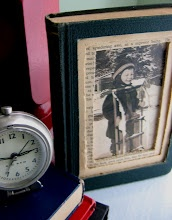 The Red Chair Blog: DIY Old Book Photo Frame