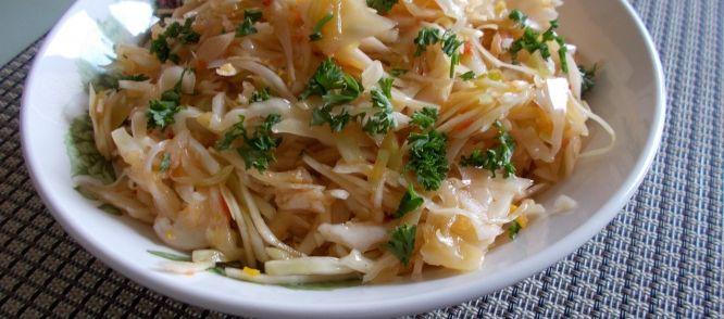 Verrukkelijke Aziatische Witte Kool Salade recept | Smulweb.nl