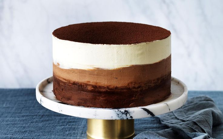 This amazing decorated chocolate ombre buttermilk cake from Women's Weekly's Cake and Co cookbook takes you through how to make ombre frosting & the ombre technique for an amazing cake.