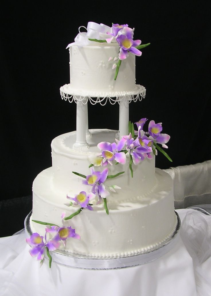 Wedding Cakes with Purple Flowers | Buttercream Wedding Cakes