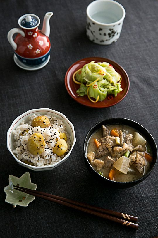 Three Recipes: Japanese Kuri Gohan (Chestnut Rice), Tonjiru (Pork & Vegetable Miso Soup), Ohitashi with Cabbage|栗ご飯、豚汁、きゃべつのおひたし