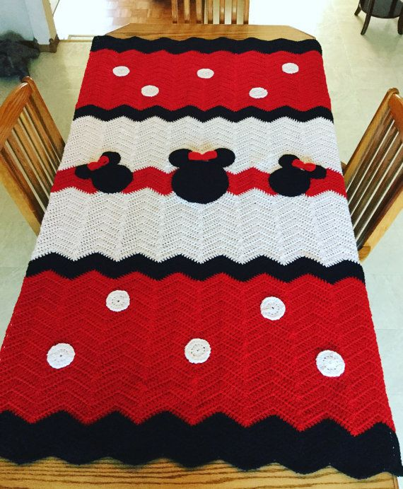 Minnie Mouse tein size blanket by TracysTLCCREATIONS on Etsy