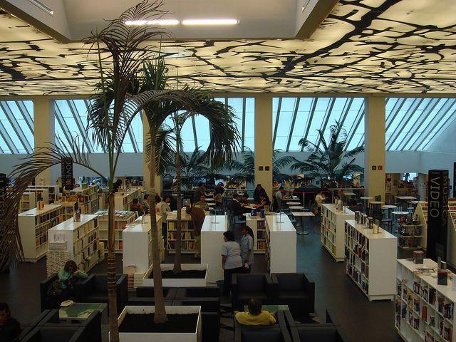 Librería Rosario Castellanos (FCE) -7 by pedro vit, via Flickr