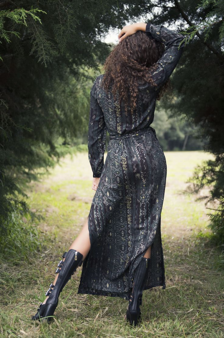 Vestido Kango Aruás Shakti Detalhe costas. #mundoshakti #shakti #tribes #moda #outonoinverno #estilo #boho #bohochic #gypsy #gypsystyle