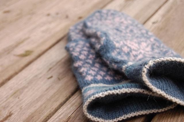 Winter wonder mittens with Drops Alpaca.