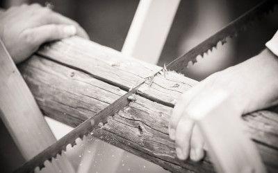 Hochzeitsspiele – Teil 1 / Baumstammsägen