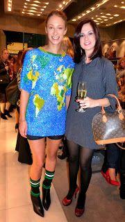 Bruna Colaboradora do Blog Mãe Vaidosa no Evento #camisa10arezzo http://www.maevaidosa.com/2014/05/exposicao-camisa-10-moda-futebol-by.html