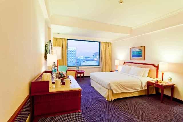 Superior Room City View - Hotel Aryaduta Makassar