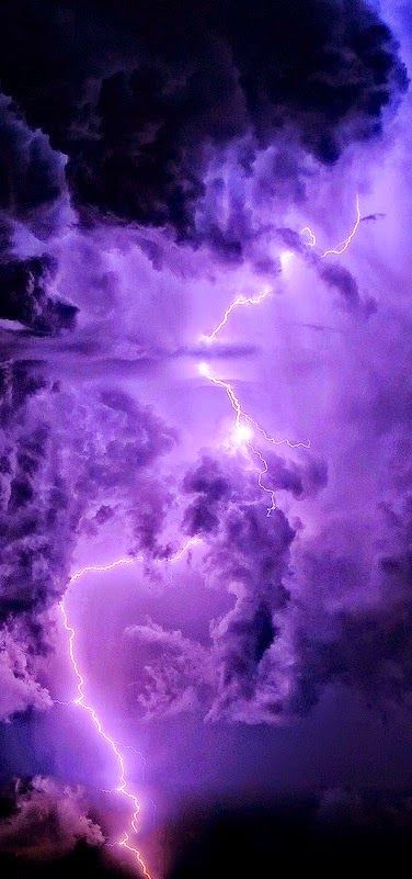 Lightning ~ Photos Hub