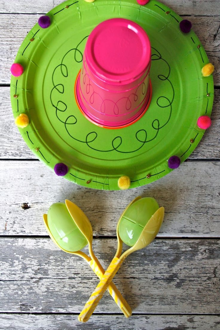 Paper plate sombrero and Easter egg Maracas for Cinco de Mayo. Super easy craft for the kids.