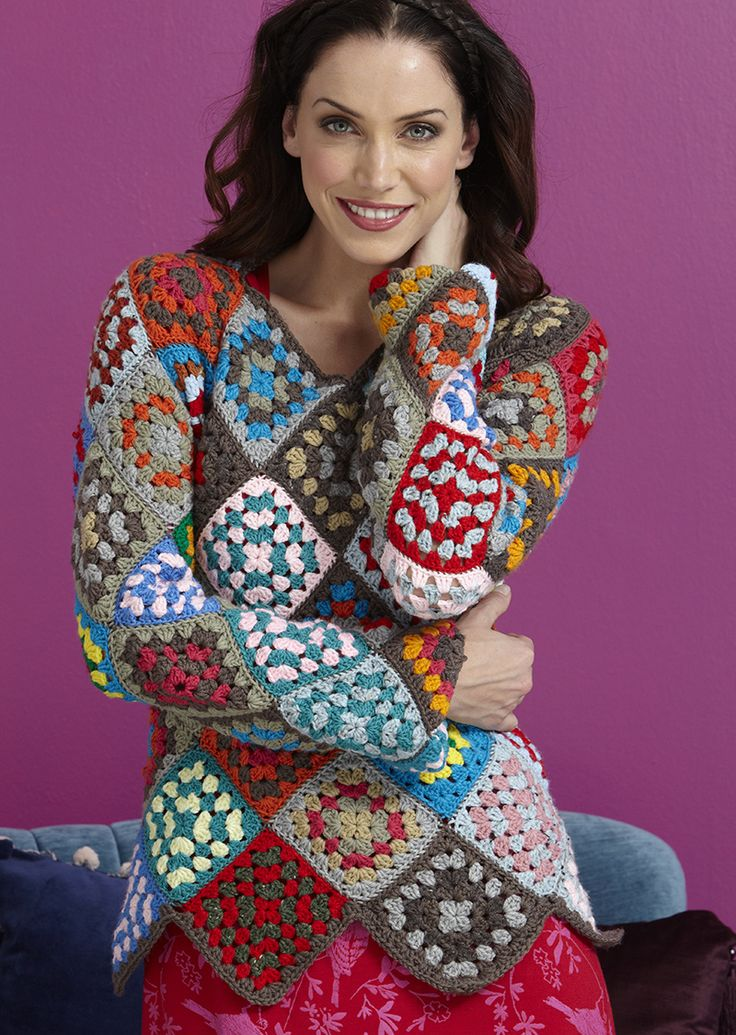 You just need to crochet squares to create this lovely top