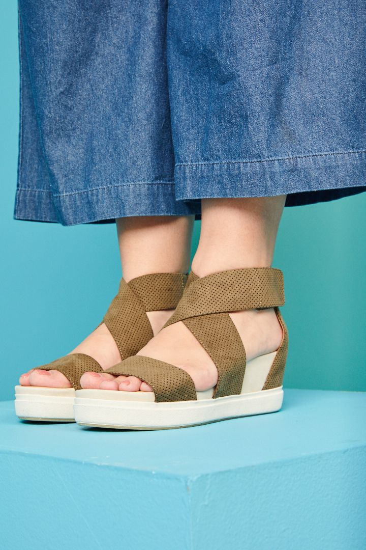 89f31a5f2d8 The Scheena wedge sandal from Dr. Scholl's will complement your ...