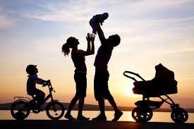 Siamo il prodotto delle nostre origini... La famiglia rappresenta il nostro primo contatto con la vita, e determina quello che diventeremo. La famiglia per me è il punto di partenza ed il punto di arrivo della nostra vita.