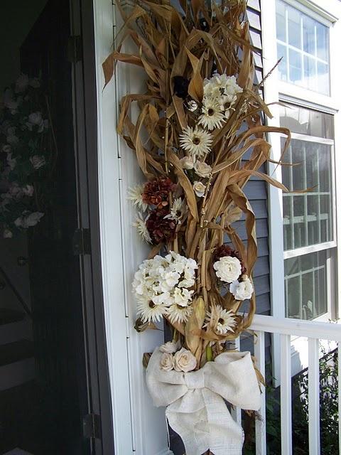 fall decorWhite Flower, Decor Ideas, Corn Stalk Decor, Doors Decor, Cornstalk, Fall Halloween, Corn Stalk Fall Decor, Doors Fall, Autumn Thanksgiving