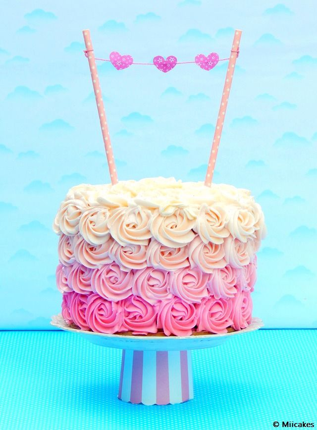 Torta de chocolate húmedo y rosas de buttercream: Miicakes