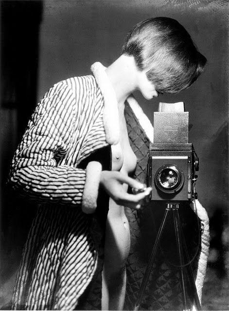 Marianne Breslauer, Self-portrait, 1930