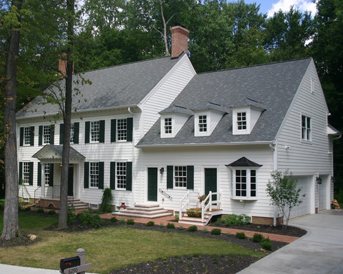 17 best ideas about colonial exterior on pinterest for Colonial garage