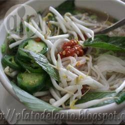 Sopa vietnamita de pollo (Pho) @ allrecipes.com.mx
