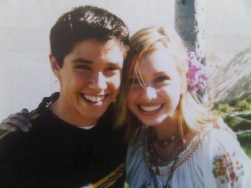 This may have been first ship before I even knew what a ship was . . . Phil Diffy  Keely Teslow (Raviv Ricky Ullman  Alyson Michalka)