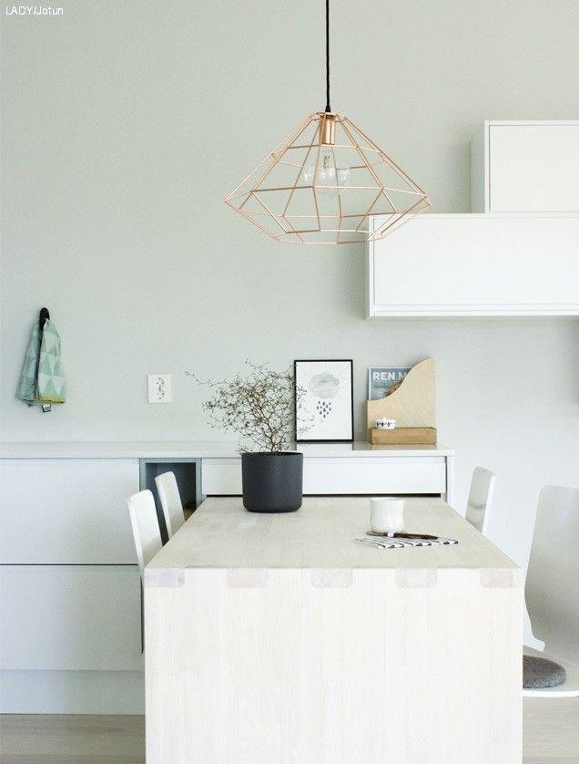 Jotun LADY Designertips LYS ANTIKKGRÅ 1391 En lys gulaktig grå tone