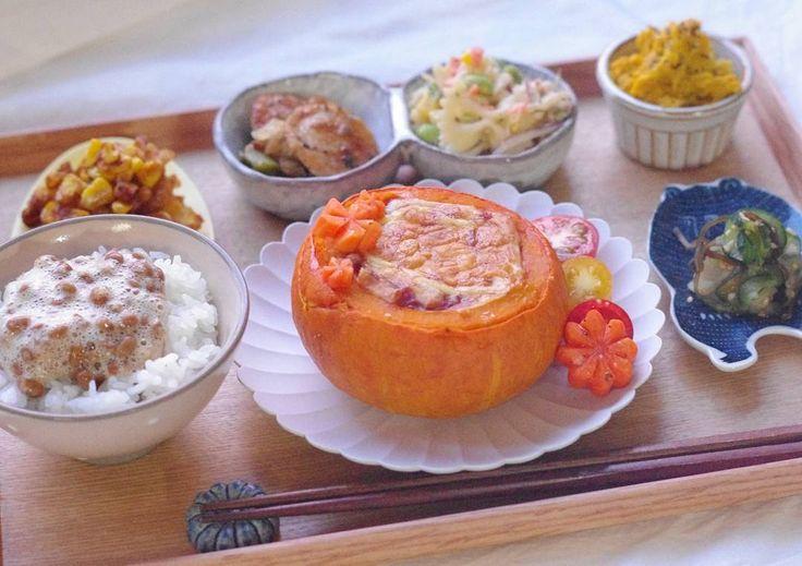 . 2017.9.1 #gratin . . . 夜ごはん◎ 昨日のミニかぼちゃグラタン、こんな献立でした。 . ミニかぼちゃグラタン(トマトソース、ホワイトソース) きゅうりと赤うりの塩昆布和え とうもろこしのかき揚げ、照り焼き風 ソーセージのレモンバジル炒め マカロニサラダ かぼちゃサラダ 納豆ごはん . . お疲れ様金曜日◎ お疲れ様1週間!! . .