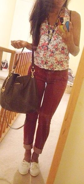 spring outfit  maroon jeggings, floral tank, white shoes  #spring #outfit #casual #work #simple #floral