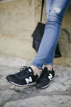 Jeans + New Balance. We love this combo.