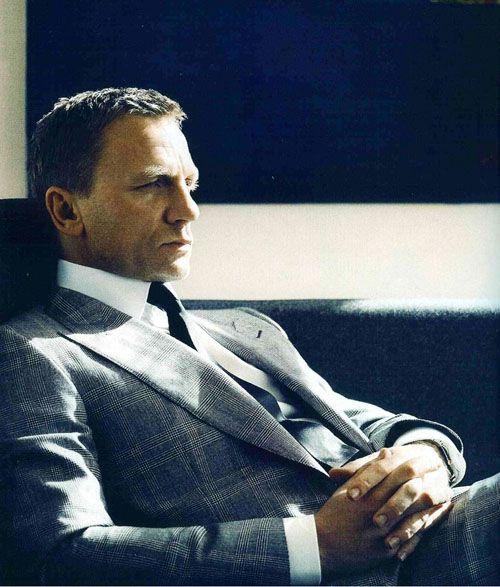 Daniel Craig in a glen plaid suit for Vogue.