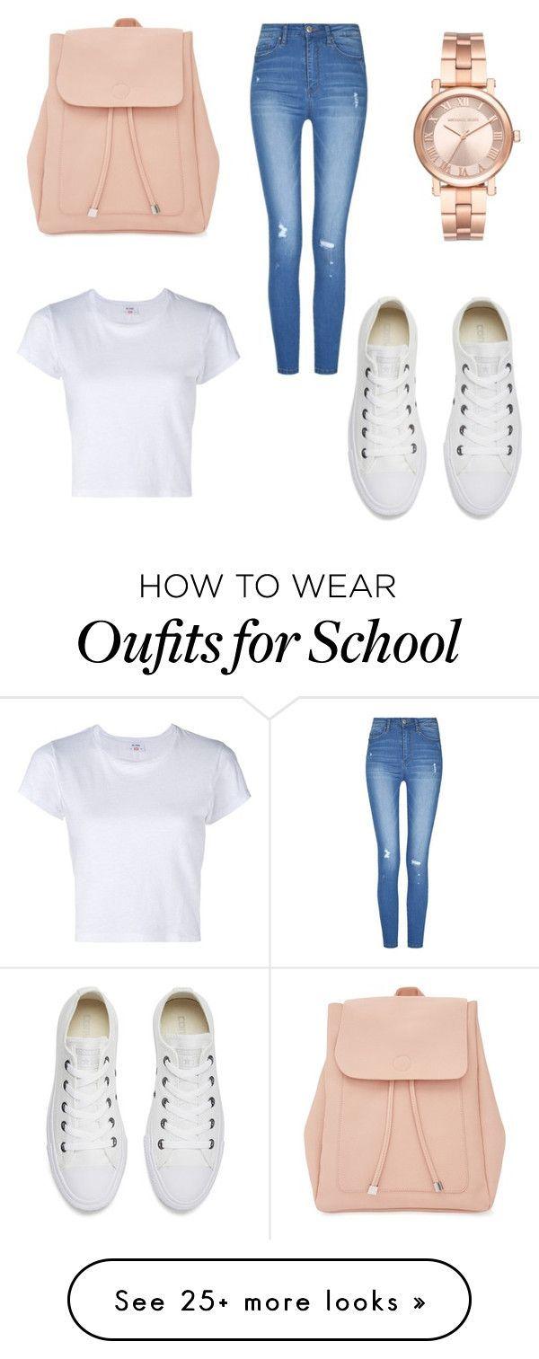 Pantalon de mezclilla tiro alto, polera basica blanca corta, zapatillas blancas cortas, mochila color nude ondera y reloj dorado. Look para salir, juntas.