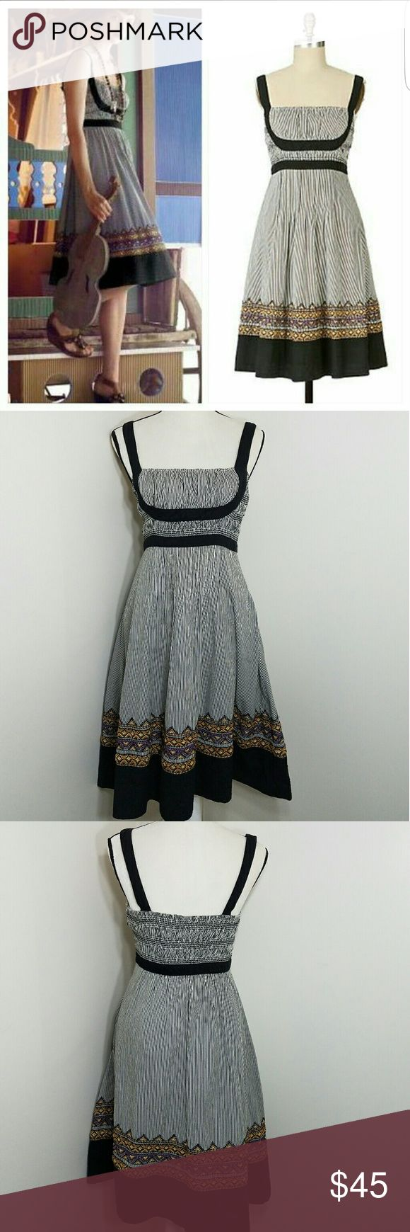 Anthropologie Lithe Fiddler's song Dress Anthropologie Lithe Fiddler's song Dress. Embroidered, smocked. Size 4. Side zip, fully lined. Gently used, good condition. Shows some signs of wear from cleaning but no tears holes or stains. Anthropologie Dresses Midi