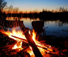 Summer bonfire! This sounds really nice and it also reminds me of Cedar Bend, staying up late.