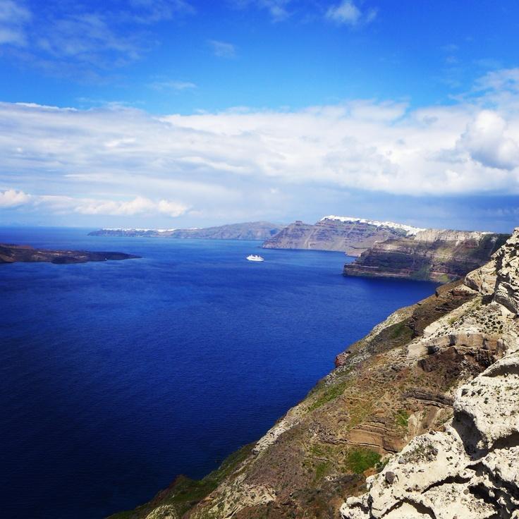 The Caldera of Megalochori , Santorini  www.santoriniheritagevillas.com #santorini #santorinivillas #greece #travel