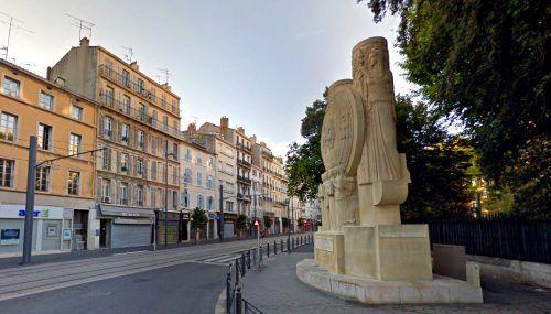 monument-alexandre-premier-angle-rome-prefecture