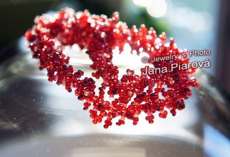 For everyone centimeter of this jewelry i´ve consumed 7,7 cm the special cable:-) °   JANA PIAROVÁ  °  Šperk, foto * JEWELRY, PHOTO   °   České sklo * MATERIAL * CZECH GLASS   °