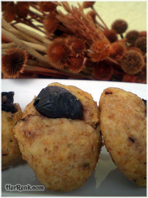 Zeytinli – Kepekli Poğaça-diyet poğaça tarifi,kepekli un,zeytinli poğaça yapımı,hamur işi,5 çayı menüsü,akşam misafir menüsü,ikindi çayına özel,pratik tarifler,acil misafir poğaçası,