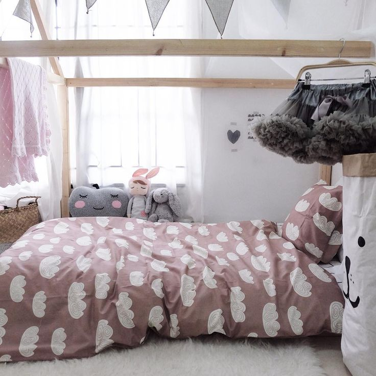 ferm LIVING Kids Cloud bedding made in 100% Organic cotton.   http://www.fermliving.com/webshop/search/all-products/cloud-bedding-rose-adult.aspx