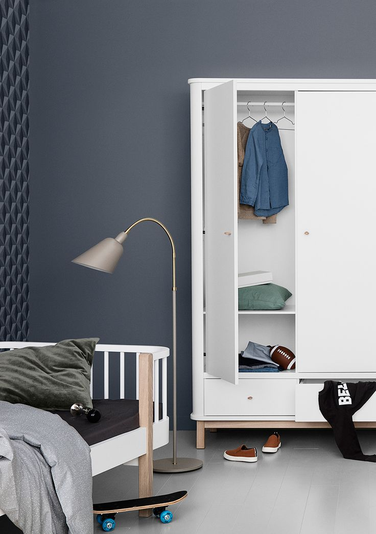 Wood Collection wardrobe w. 2 doors by Oliver Furniture