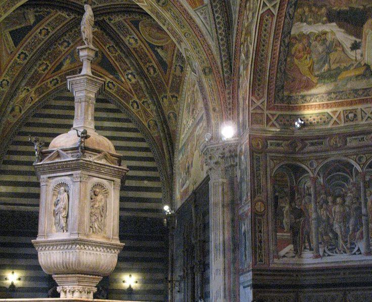 Фрески баптистерия и крестильная чаша Якопо делла Куерча.