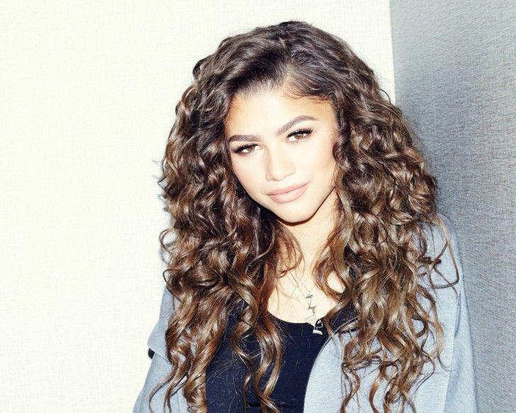 zendaya her hair curls and zendaya