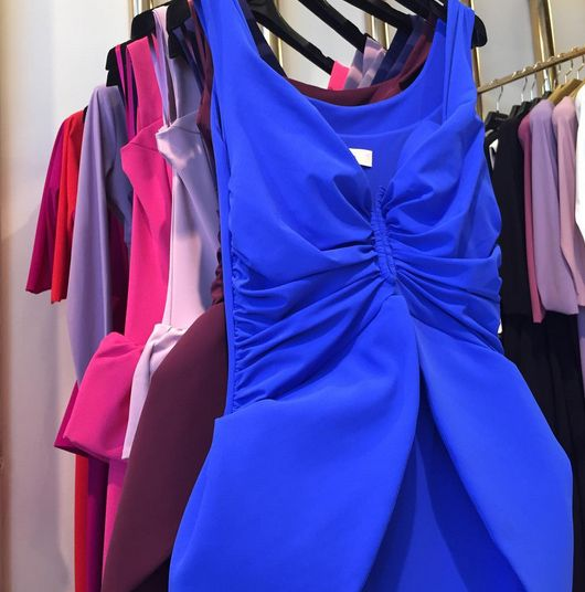 Flattering colors to look pretty. By Chiara Boni - La Petite Robe.