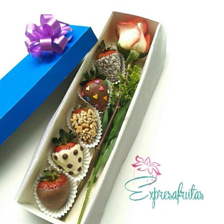 Decorated strawberries Expresafrutas