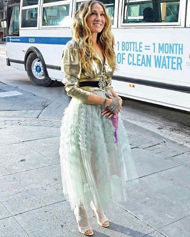 0d766581b4 Como Carrie Bradshaw se vestiria em 2019  Sarah Jessica Parker mostrou!