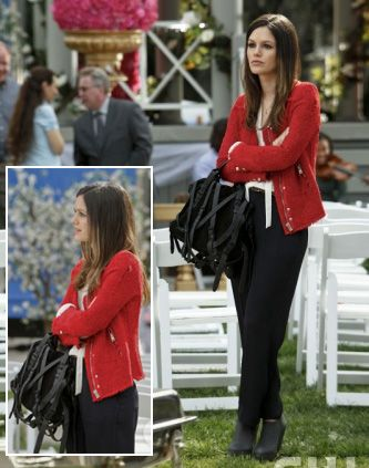 Zoe's Red blazer on Hart of Dixie.  Outfit details: http://wornontv.net/3727/