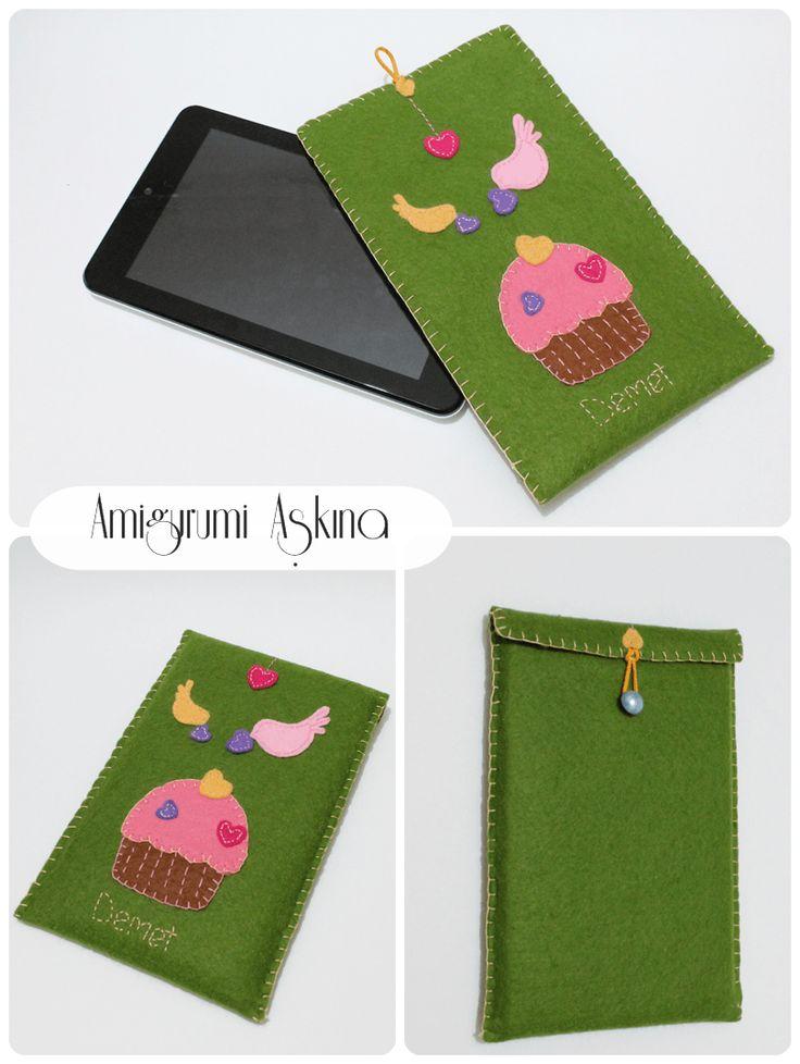 Amigurumi Aşkına-Örgü Oyuncaklarım: Keçeden Cupcakeli Tablet Kılıfım