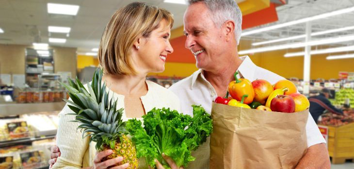 9 Things Seniors Can Do Cheaper Than The Rest Of Us Albertson's takes 10 percent off your grocery bill if you are at least 55, but the store does it only on the first Wednesday of each month. Kroger does the same, but the age and day of the week varies by store. Publix gives shoppers who are at least 55 a discount of 5 percent every Wednesday.