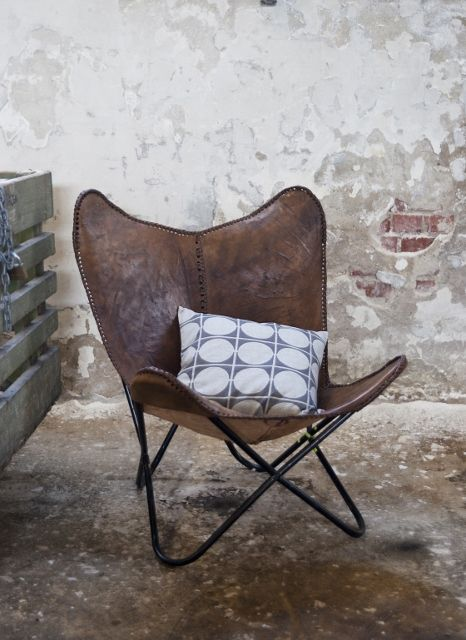 Who wouldn't want to rest here! #butterflychair #cushionenvy
