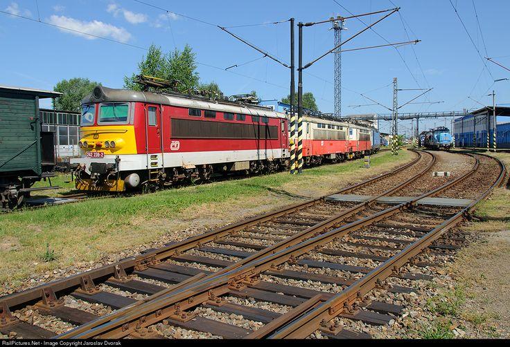 RailPictures.Net Photo: CD 242 239 2 Ceske Drahy CD 242 at Ceske Budejovice, Czech Republic by Jaroslav Dvorak