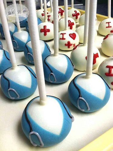 Dr / nurse cake pops... @Pat Gifford these would be great for hospital!