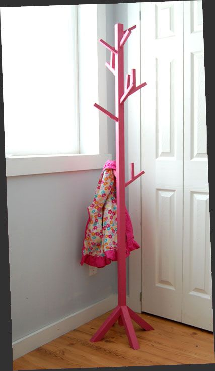 Build A Coat Tree for Under $10. Free step by step DIY plans from Ana-White.com #Plan